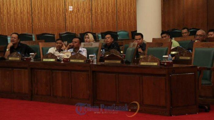 FOTO: Rapat Paripurna Perdana DPRD Kalbar Hanya Dihadiri 41 Anggota Dewan - rapat-paripurna-perdana-dprd-kalbar-di-kantor04.jpg