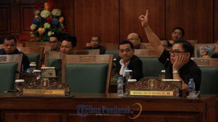 FOTO: Rapat Paripurna Perdana DPRD Kalbar Hanya Dihadiri 41 Anggota Dewan - rapat-paripurna-perdana-dprd-kalbar01.jpg