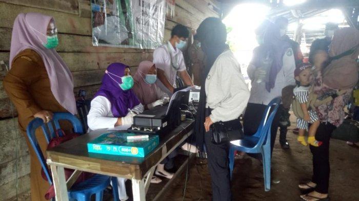 Puskesmas Rasau Jaya & Forkopimcam Adakan Screening GeNose Terhadap 53 Penumpang Diterminal Digdoyo