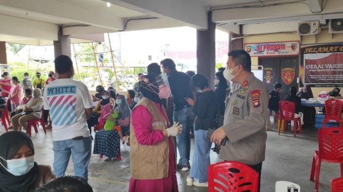 Kapolres Sanggau Pantau Langsung Vaksinasi Massal Tahap II