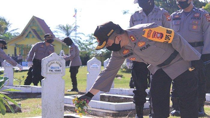 Polres Ketapang Laksanakan Kegiatan Hari Bhayangkara ke-74 di Taman Makam Pahlawan Tanjung Pura