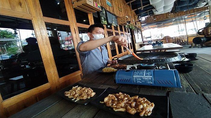 Ngegrill di Unique Yokk, Suasana Klasik Dengan Makan Enak dan Harga Merakyat
