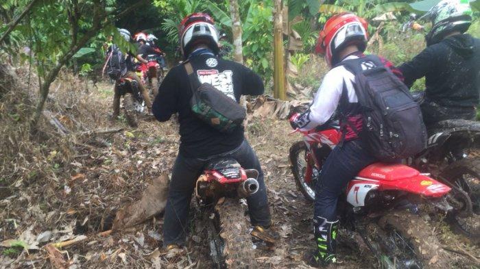 Puluhan Orang Komunitas Trail Ikuti Nasional Honda Roadventure