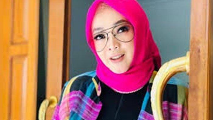 RINA GUNAWAN dan 3 ARTIS Indonesia Ini Meninggal Karena Covid-19, Dimakamkan dengan Protokol Ketat
