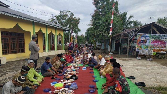 Jaga Warisan Budaya, Warga Desa Parit Bugis Gelar Robo-robo dengan Makan Saprahan dan Doa Bersama