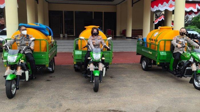 Polres Kubu Raya Menerima Hibah 3 Kendaraan Roda Tiga Khusus Pemadam dari Pemprov Kalimantan Barat