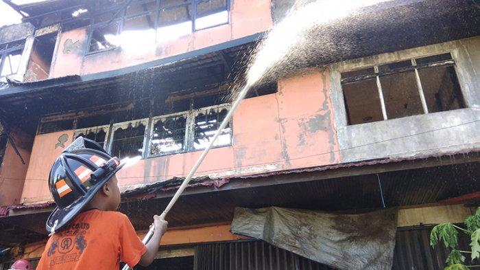 BREAKING NEWS: Sejumlah Ruko Terbakar Gang Martapura