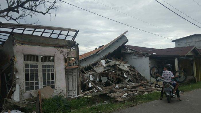 BREAKING NEWS: Rumah Walet Roboh di Sambas