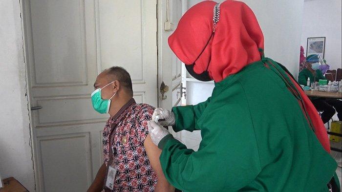 Kadisdik Sebut Vaksinasi Terhadap Guru Sebagai Upaya Persiapan Pembelajaraan Tatap Muka di Ketapang
