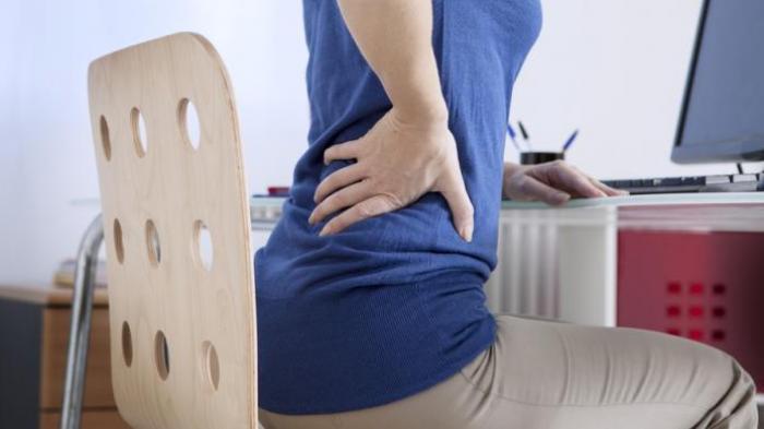Penyebab Sakit Pinggang Berkepanjangan,- Ketahui penyab dari sakit pinggang berkepanjangan dan tangani penyakitnya dengan benar.