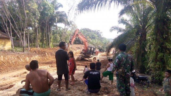 Peningkatan Jalan di Dusun Bukong Masuk Tahap Finishing