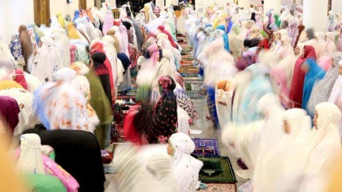 Niat Sholat Tarawih Sendiri dan Berjamaah Serta Tata Cara & Keutamaan Shalat Tarawih Bulan Ramadan