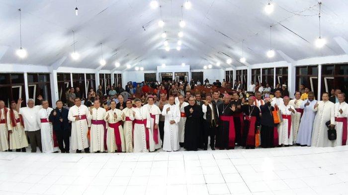 300 Pastor dan 36 Uskup Termasuk Kardinal Hadiri Salve Agung Uskup Ruteng Mgr Siprianus Hormat