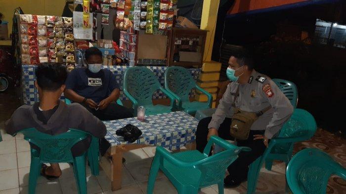 Gelar Patroli, Personel Polsek Samalantan Berikan Imbauan Protokol Kesehatan Covid-19 pada Warga
