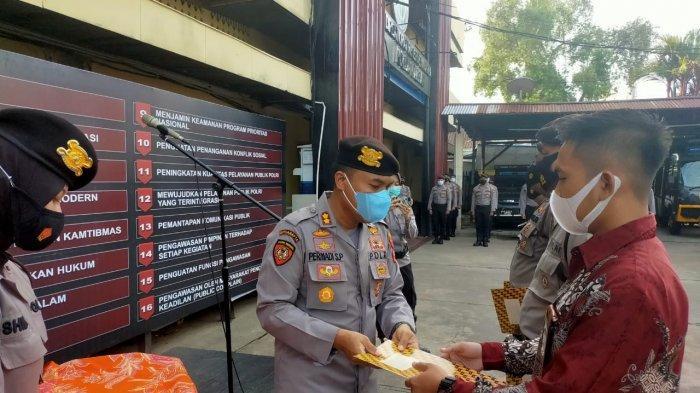 Lebihi Tupoksinya, Personel Dit Samapta Polda Kalbar terima Penghargaan Kapolda