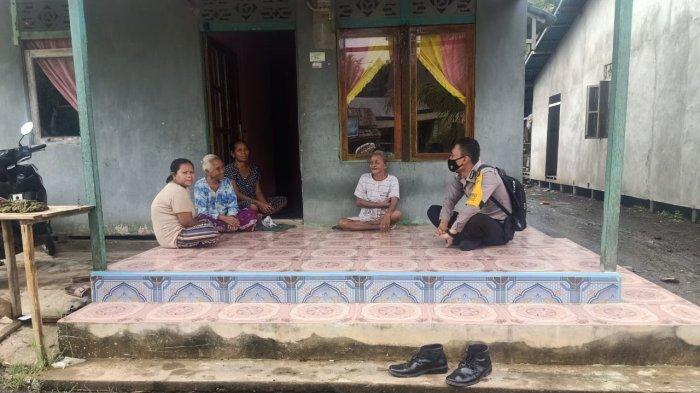 Bhabinkamtibmas Polsek Teluk Batang Melaksanakan Sambang, Sampaikan Protokol Kesehatan Covid-19