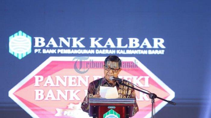 FOTO:  Panen Rejeki Bank Kalbar Periode 2019 di Hotel Aston Pontianak - samsir-ismail-bank.jpg