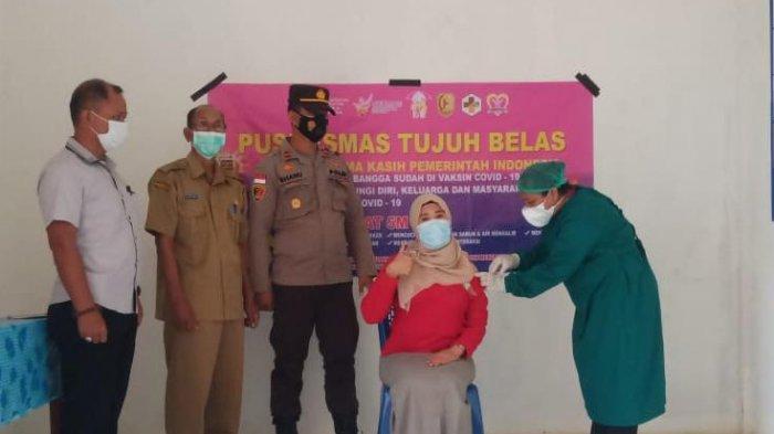 Kapolsek Sanggau Ledo Pantau Langsung Pelaksanaan Vaksinasi Covid-19 Tahap II