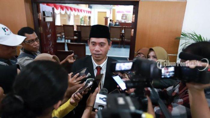 FOTO: Pengucapan Sumpah Pimpinan DPRD Kota Pontianak Satarudin Dalam Sidang ke-5 DPRD Kota Pontianak - satarudin1.jpg