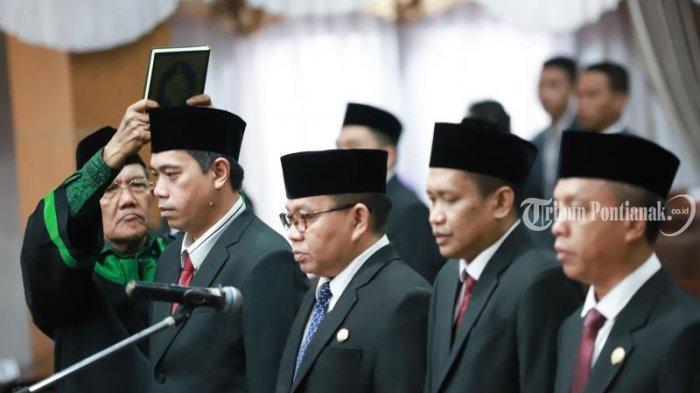 FOTO: Pengucapan Sumpah Pimpinan DPRD Kota Pontianak Satarudin Dalam Sidang ke-5 DPRD Kota Pontianak - satarudin2.jpg