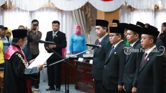 FOTO: Pengucapan Sumpah Pimpinan DPRD Kota Pontianak Satarudin Dalam Sidang ke-5 DPRD Kota Pontianak - satarudin3.jpg