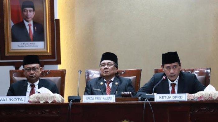 FOTO: Pengucapan Sumpah Pimpinan DPRD Kota Pontianak Satarudin Dalam Sidang ke-5 DPRD Kota Pontianak - satarudin8.jpg
