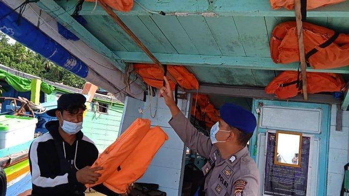 Imbauan Kelengkapan Alat Keselamatan Dilakukan Sat Polair Polres Bengkayang