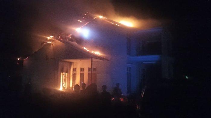Sebab Kebakaran Rumah Dua Lantai di Sukadana Diduga Karena Korsleting Charger Handphone
