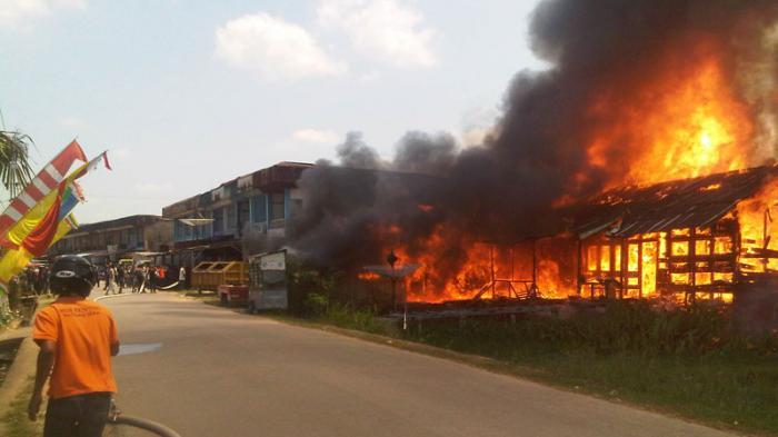 BREAKING NEWS: Satu Jam Setengah, Api Baru Bisa Dipadamkan
