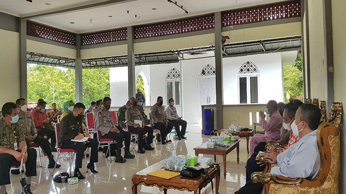 Kadiskes Bambang Sampaikan Penentuan Zonasi Wilayah Berdasarkan Perkembangan Kasus Covid-19 dan BOR