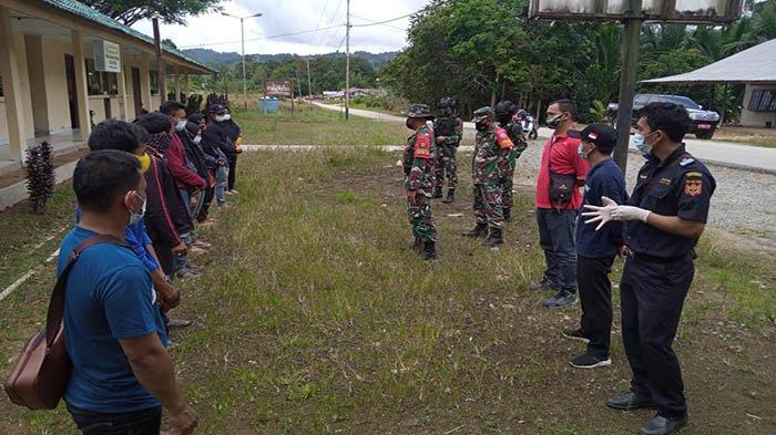 Satgaster Koramil 1202-09/Jagoi Babang Gagalkan 8 Warga Jatim Hendak Jadi TKI Ilegal ke Malaysia