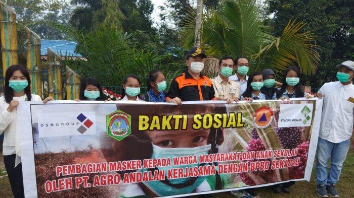 PT Agro Andalan Bagi-bagi Masker ke Masyarakat dan Anak Sekolah