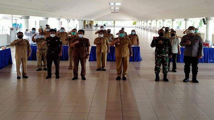 Bupati Bengkayang Darwis Pimpin Giat Rapat Koordinasi Pelaksanaan PPKM Level Tiga