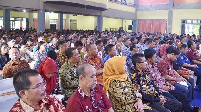 DPMPD Gelar Rapat Kerja Bersama Camat, Kades dan BPD se-Kabupaten Sintang