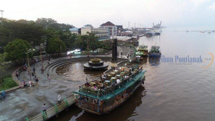 Kapal Wisata Menunggu Penumpang di Taman Alun Kapuas, Dishub Pontianak Imbau Kelengkapan Keselamatan - sejumlah-kapal-wisata-menunggu-pengunjung-di-taman-alun-kapuas03.jpg