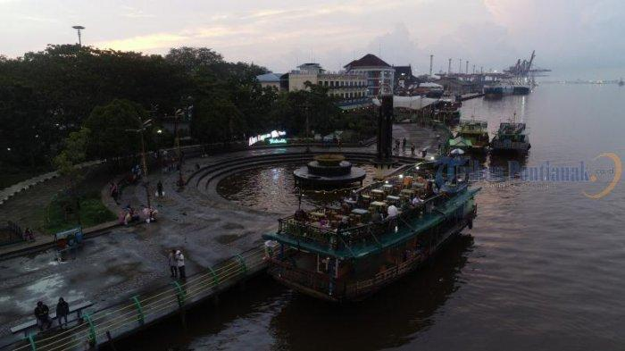 Kapal Wisata Menunggu Penumpang di Taman Alun Kapuas, Dishub Pontianak Imbau Kelengkapan Keselamatan - sejumlah-kapal-wisata-menunggu-pengunjung-di-taman-alun-kapuas05.jpg