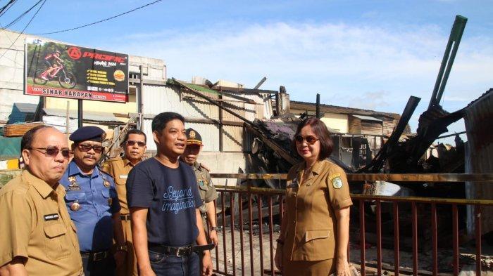 Sekda Sintang Tinjau Lokasi Kebakaran Delapan Bangunan Ruko di Jalan Patimura