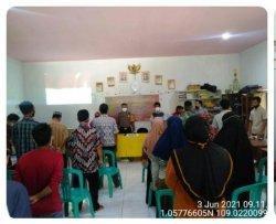 Bhabinkamtibmas hadiri Sosialisasi, Penjaringan Pendaftaran Balon BPD Parit Kongsi Selakau