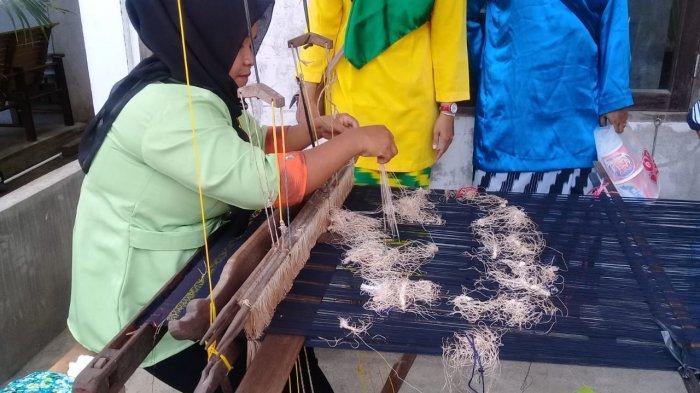 Dekranasda Pontianak Akan Bentuk Kampung Tenun di Setiap Kecamatan
