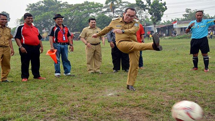 Geliat Ekonomi Lewat Turnamen Sepak Bola Kuala Dua Cup