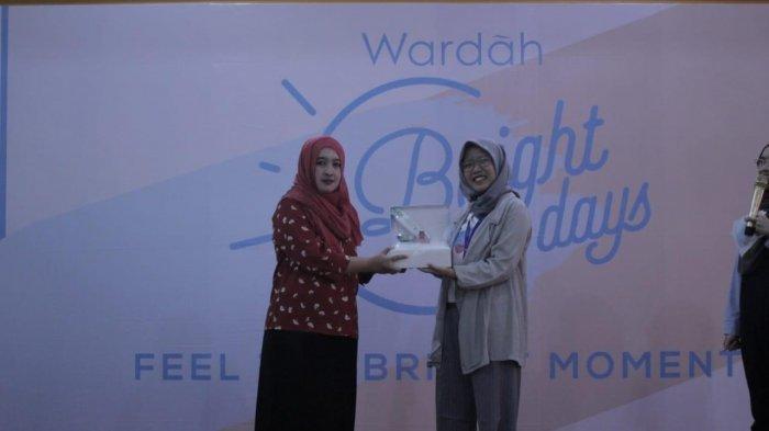 Gelar Inspiring Talkshow ke-3, Wardah Bright Days di SMKN 5 Pontianak Sukses