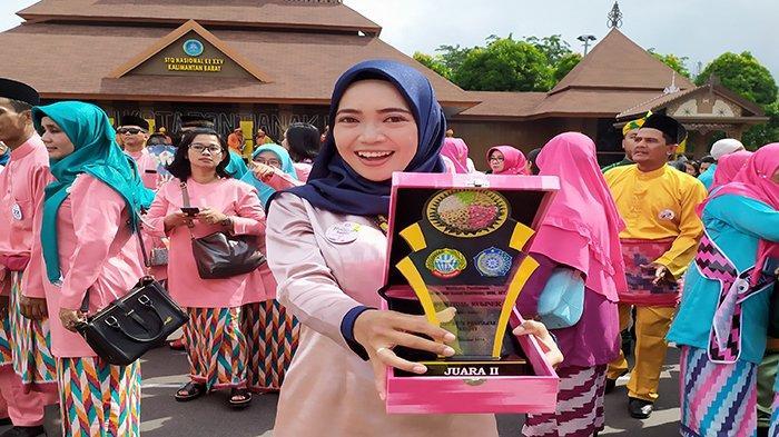 KISAH INSPIRATIF Ade Marheni Dewi, Lurah Muda Pontianak Berhasil Kembangkan Kampung Hijau Bang Jago