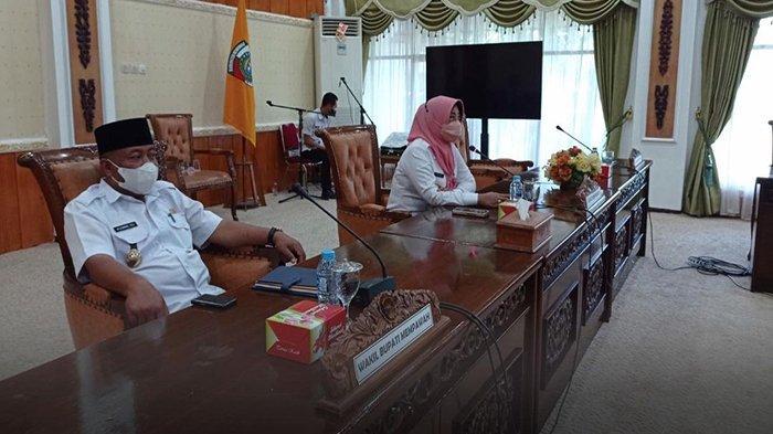 Bupati Erlina Pimimpin Rapat Bersama Stakeholder Perihal Penertiban Bangunan Liar dan Kawasan Kumuh