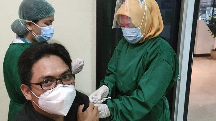Pekerja Media di Sanggau Terima Vaksin Covid-19