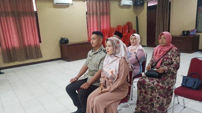 Pimpin Sidang Nikah, Wakapolres Landak: Jadi Istri Polisi Tidak Mudah Lho!  - Tribun Pontianak