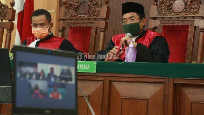 FOTO: Sidang Tele Conference Pembacaan Tuntutan Kasus Korupsi Suryadman Gidot - sidang-tele-conference-pembacaan-tuntutan-suryadman-gidot.jpg