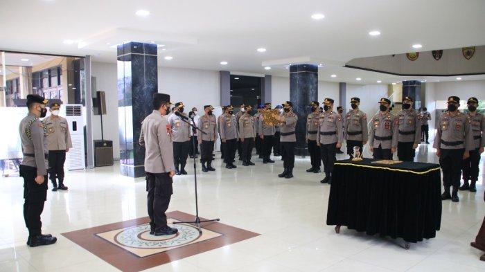 Kapolda Kalbar Pimpin Upacara Penandatanganan Komitmen Kinerja Personel Polri dan PNS Polda Kalbar