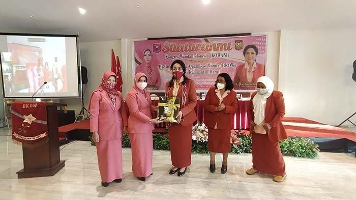 Silaturahmi ke Kalbar, Ketum Kowani Pesankan Wanita Harus Kuat dalam Segala Sisi