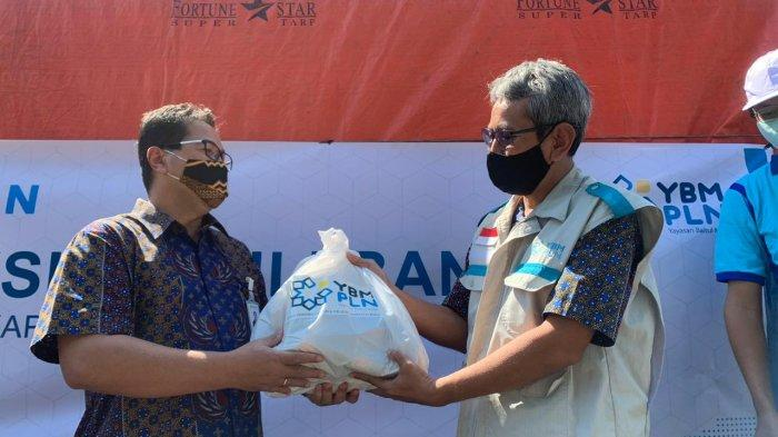 Peduli Banjir Putussibau dan Nanga Pinoh, PLN Kalbar Sigap Kucurkan Bantuan hingga Rp 280 Juta