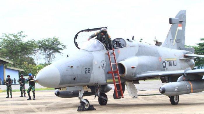 FOTO: Detik-detik TNI AU Turunkan Paksa 1 Unit Pesawat Tempur Asing di Lanud Supadio saat Simulasi - simulasi1.jpg